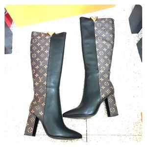 aad4a7bc498 Louis Vuitton Shoes - Authentic Ladies LV boots